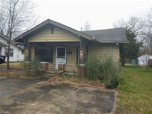 Photo of 205 Moon Street, Thomasville, NC 27360 (MLS # 1013764)