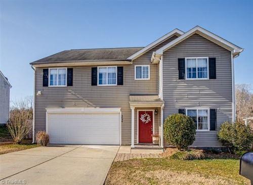 Photo of 2646 Ninfield Drive, Winston Salem, NC 27103 (MLS # 1008783)