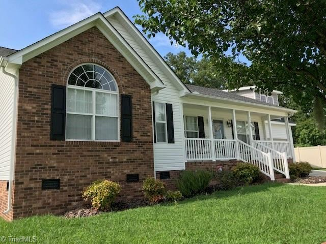 Photo of 4278 N Pin Oak Drive, Randleman, NC 27317 (MLS # 985783)