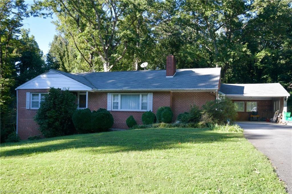 Photo of 820 Quaker Lane, High Point, NC 27262 (MLS # 994784)