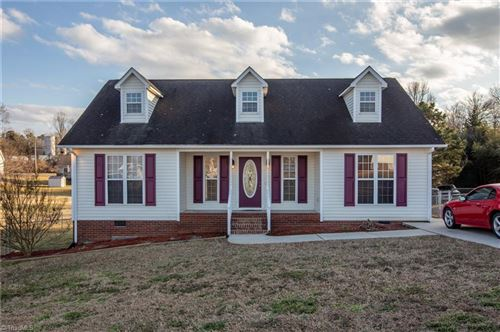 Photo of 206 Bell Drive, Thomasville, NC 27360 (MLS # 1013789)