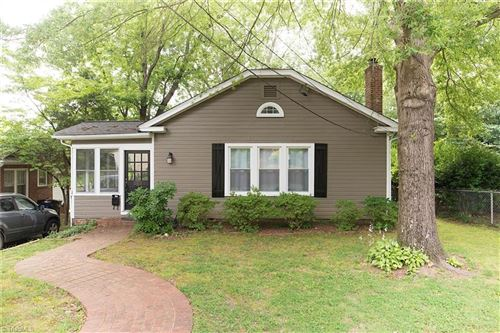 Photo of 907 Lockland Avenue, Winston Salem, NC 27103 (MLS # 983798)