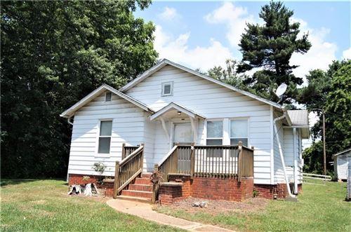 Photo of 4633 Westmoreland Street, Winston Salem, NC 27105 (MLS # 979806)