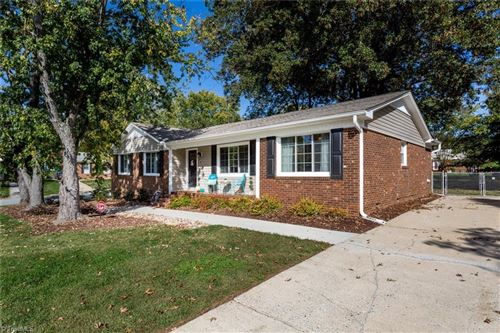 Photo of 4810 Penn Wyne Drive, Greensboro, NC 27410 (MLS # 998808)