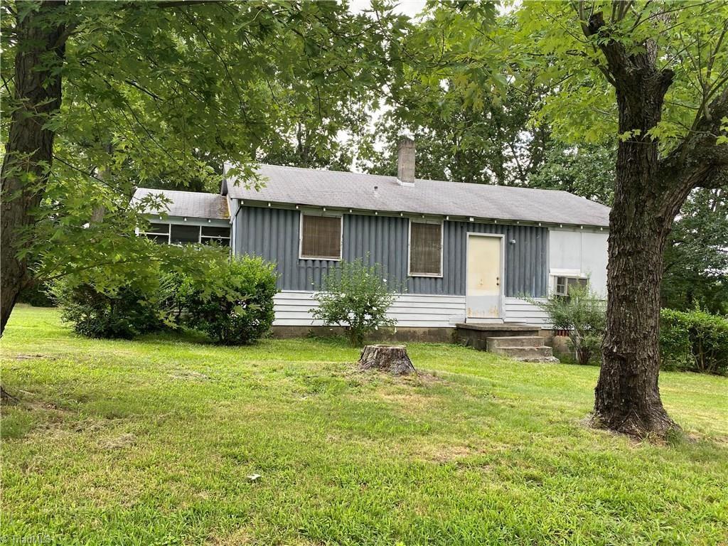 Photo of 901 Winslow Street, High Point, NC 27260 (MLS # 988808)