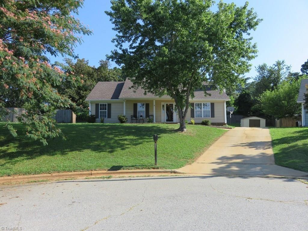 Photo of 3 Landry Court, Greensboro, NC 27405 (MLS # 984810)