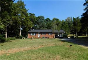 Photo of 3829 Littlebrook Drive, Clemmons, NC 27012 (MLS # 951814)