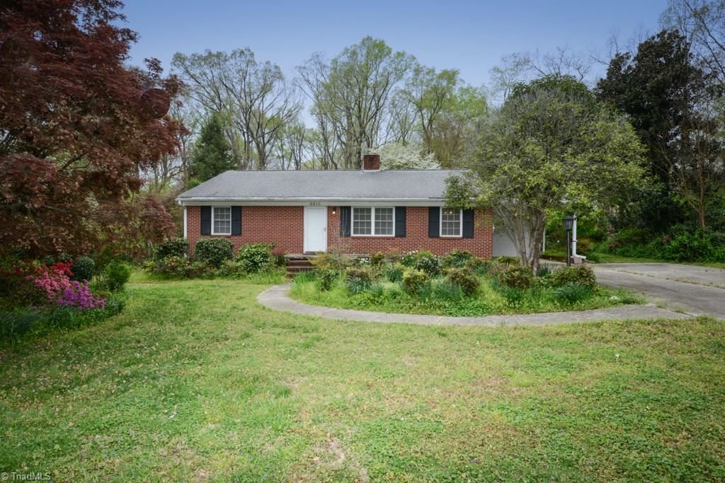 Photo of 3213 Woodview Drive, High Point, NC 27265 (MLS # 971816)