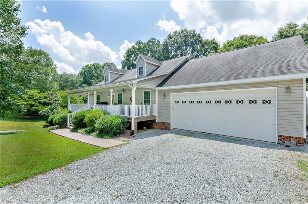 Photo of 354 Arrowhead Drive, Lexington, NC 27295 (MLS # 988828)