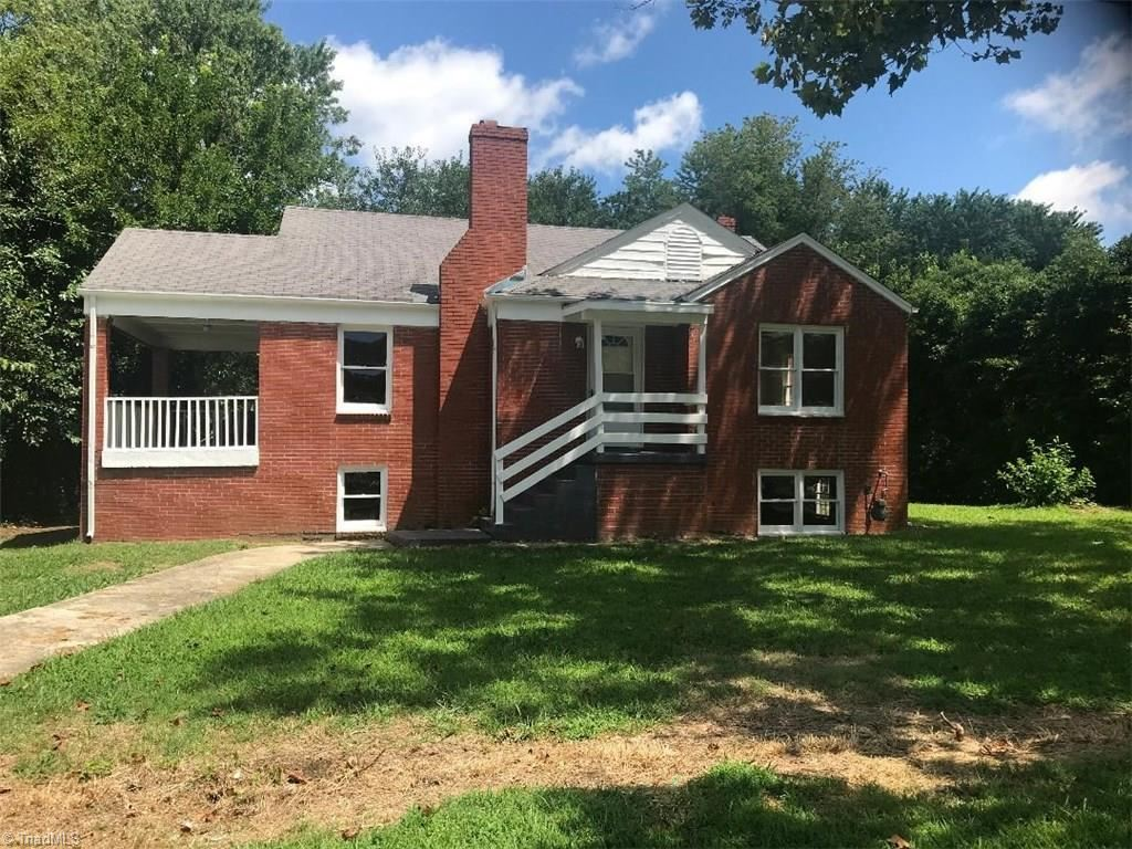 Photo of 1607 Brockett Avenue, High Point, NC 27260 (MLS # 988829)