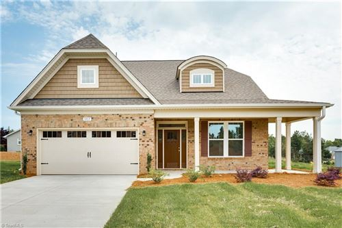 Photo of 3317 Waterford Glen Lane, Clemmons, NC 27012 (MLS # 967853)