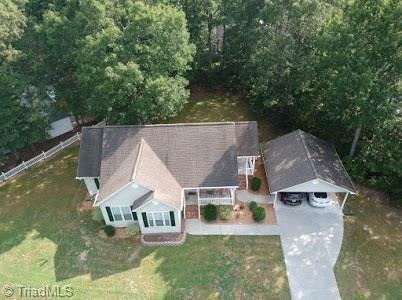 Photo of 2201 Regency Drive, Randleman, NC 27317 (MLS # 985856)