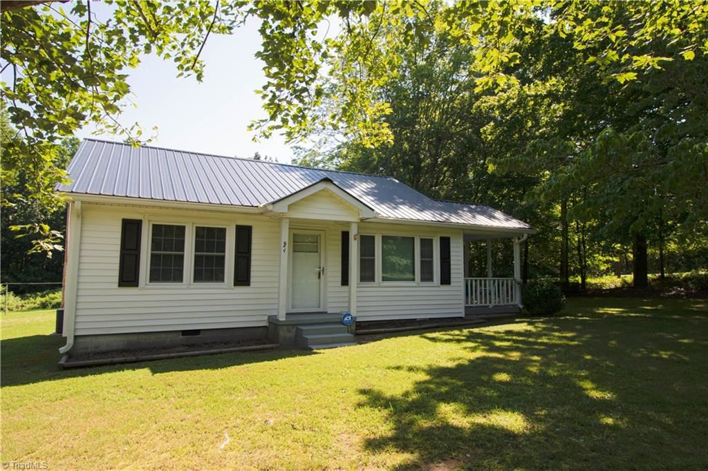 Photo of 624 Tyro School Road, Lexington, NC 27295 (MLS # 987869)