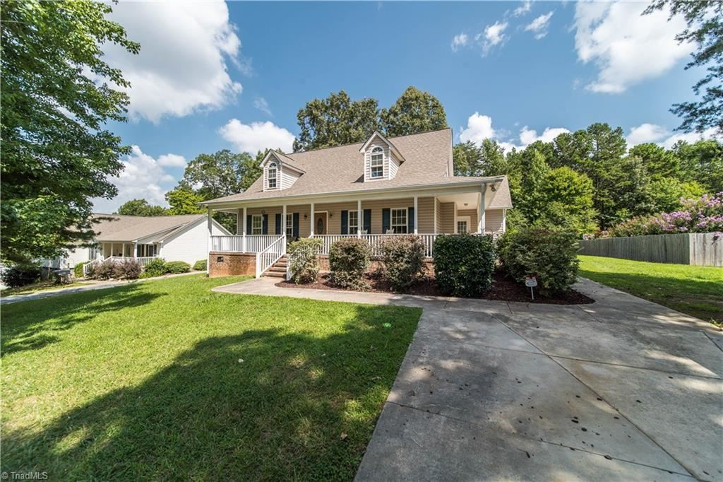 Photo of 695 Old Castle Drive, Randleman, NC 27317 (MLS # 989869)