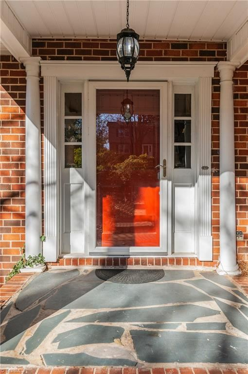 Photo of 1020 Shalimar Drive, High Point, NC 27262 (MLS # 956896)
