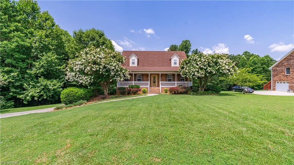 Photo of 314 Transou Drive, Lexington, NC 27295 (MLS # 985905)