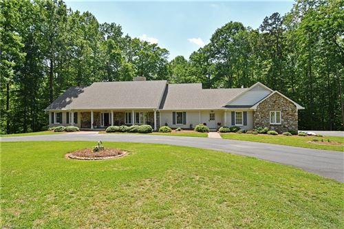 Photo of 4841 Bent Ridge Lane, Clemmons, NC 27012 (MLS # 967909)