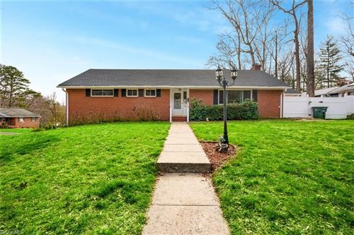 Photo of 1290 Wedgewood Drive, Winston Salem, NC 27103 (MLS # 966922)