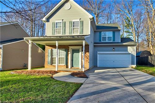 Photo of 913 Woodlake Drive, Greensboro, NC 27406 (MLS # 1007928)