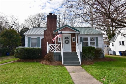 Photo of 864 Lockland Avenue, Winston Salem, NC 27103 (MLS # 966933)