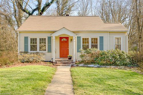 Photo of 1127 Kenwood Street, Winston Salem, NC 27103 (MLS # 966934)