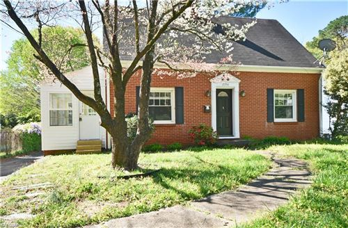 Photo of 2334 Queen Street, Winston Salem, NC 27103 (MLS # 960943)