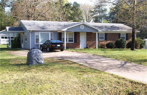 Photo of 4745 Nokomis Drive, Kernersville, NC 27284 (MLS # 981950)