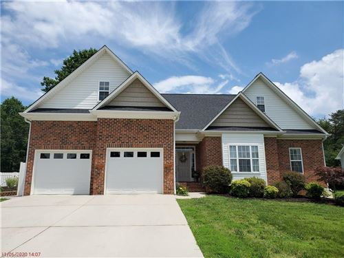 Photo of 5339 Graycliff Lane, Clemmons, NC 27012 (MLS # 980959)
