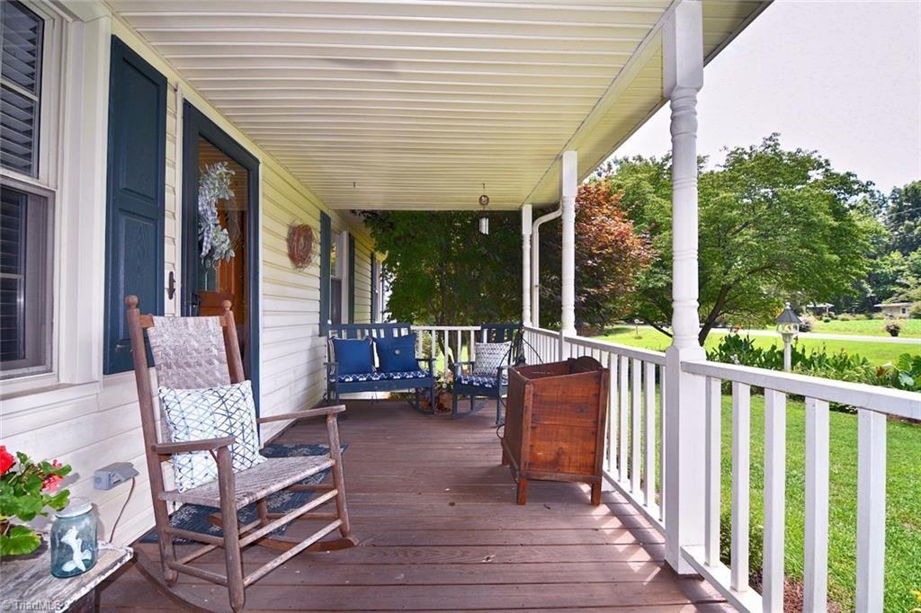 Photo of 569 Pickett Road, Lexington, NC 27295 (MLS # 987974)