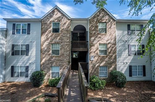 Photo of 4021 Whirlaway Court, Clemmons, NC 27012 (MLS # 987987)