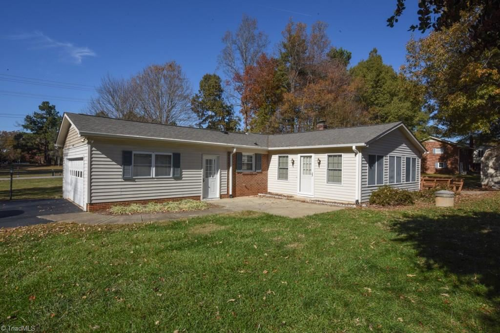 Photo of 2601 Maxine Drive, High Point, NC 27265 (MLS # 956990)