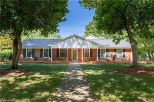 Photo of 2830 Knob Hill Drive, Clemmons, NC 27012 (MLS # 941994)