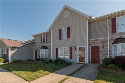 Photo of 203 Chestnut Chase Trail, Kernersville, NC 27284 (MLS # 980996)