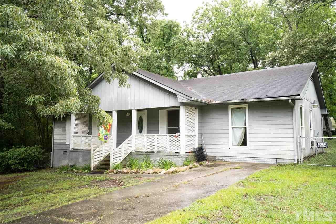 Photo of 162 Oakridge Avenue, Spring Lake, NC 28390 (MLS # 2328139)