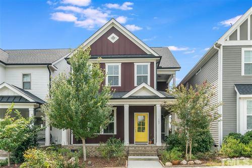 Photo of 107 Meadows Edge Drive, Chapel Hill, NC 27516 (MLS # 2412240)