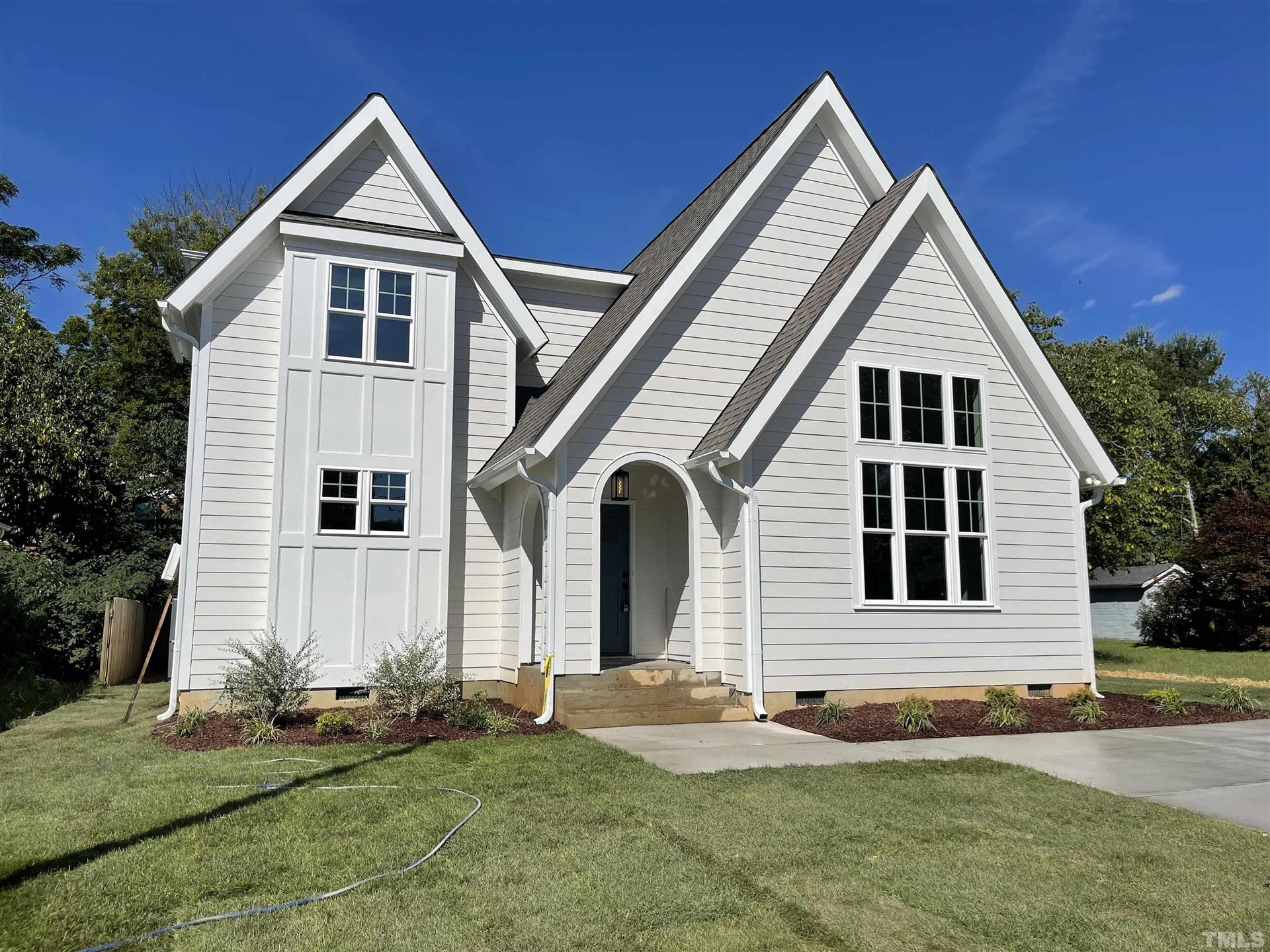 Photo of 211 Bledsoe Avenue, Raleigh, NC 27601 (MLS # 2382255)