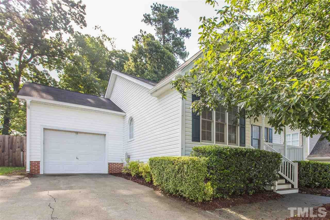 Photo of 805 Deer Hollow Court, Wake Forest, NC 27587 (MLS # 2391288)