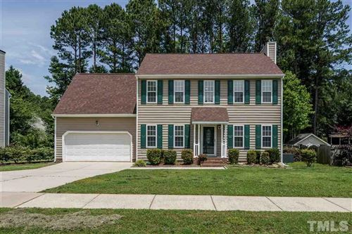 Photo of 1104 Waterford Green Drive, Apex, NC 27502 (MLS # 2321433)