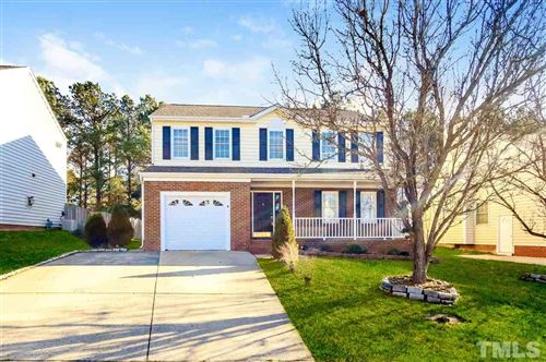 Photo of 8 Barnsdale Court, Durham, NC 27713 (MLS # 2322525)