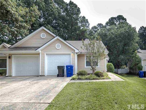 Photo of 107 Standish Drive, Chapel Hill, NC 27517 (MLS # 2397658)