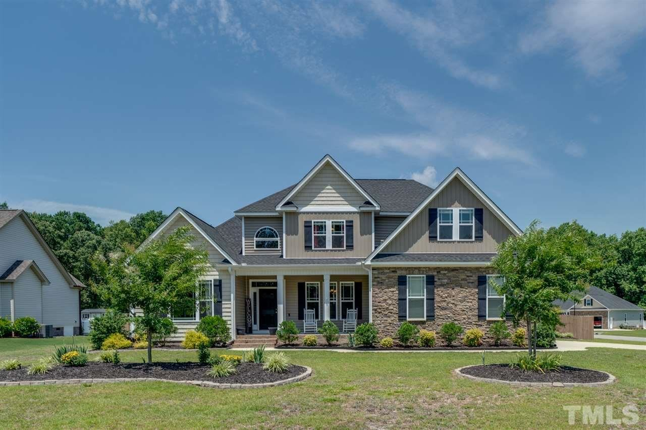 Photo of 29 Borgo Court, Willow Spring(s), NC 27592 (MLS # 2326737)