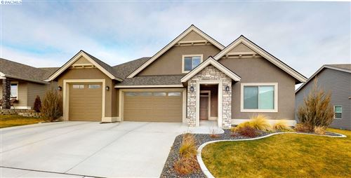 Photo of 2724 Grayhawk Loop, Richland, WA 99354 (MLS # 252004)