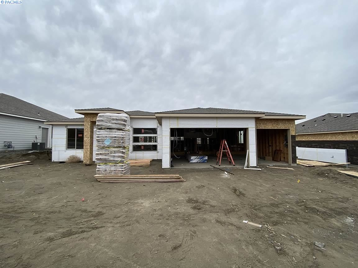 Photo of 711 Thebes St, West Richland, WA 99353 (MLS # 250011)