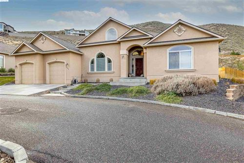 Photo of 535 Agier Dr, Richland, WA 99352 (MLS # 252015)