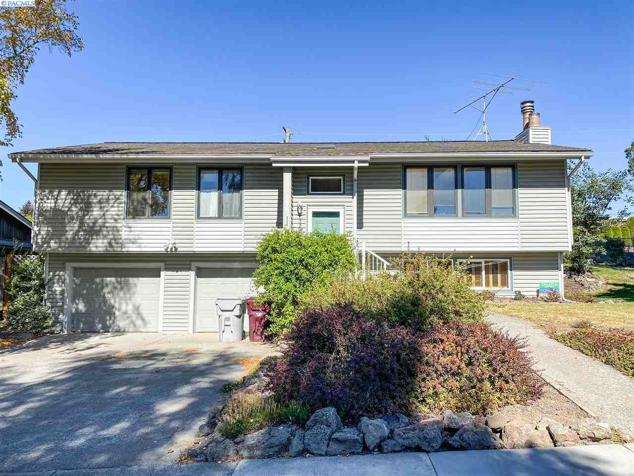 Photo of 330 SE Bellevue St., Pullman, WA 99163 (MLS # 249031)