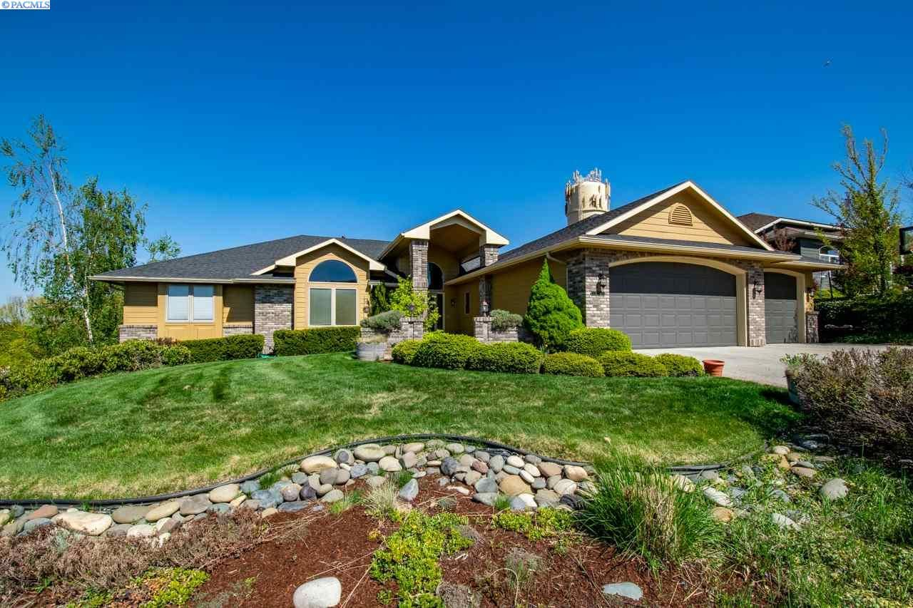 Photo of 1240 SW Campus View, Pullman, WA 99163 (MLS # 244041)