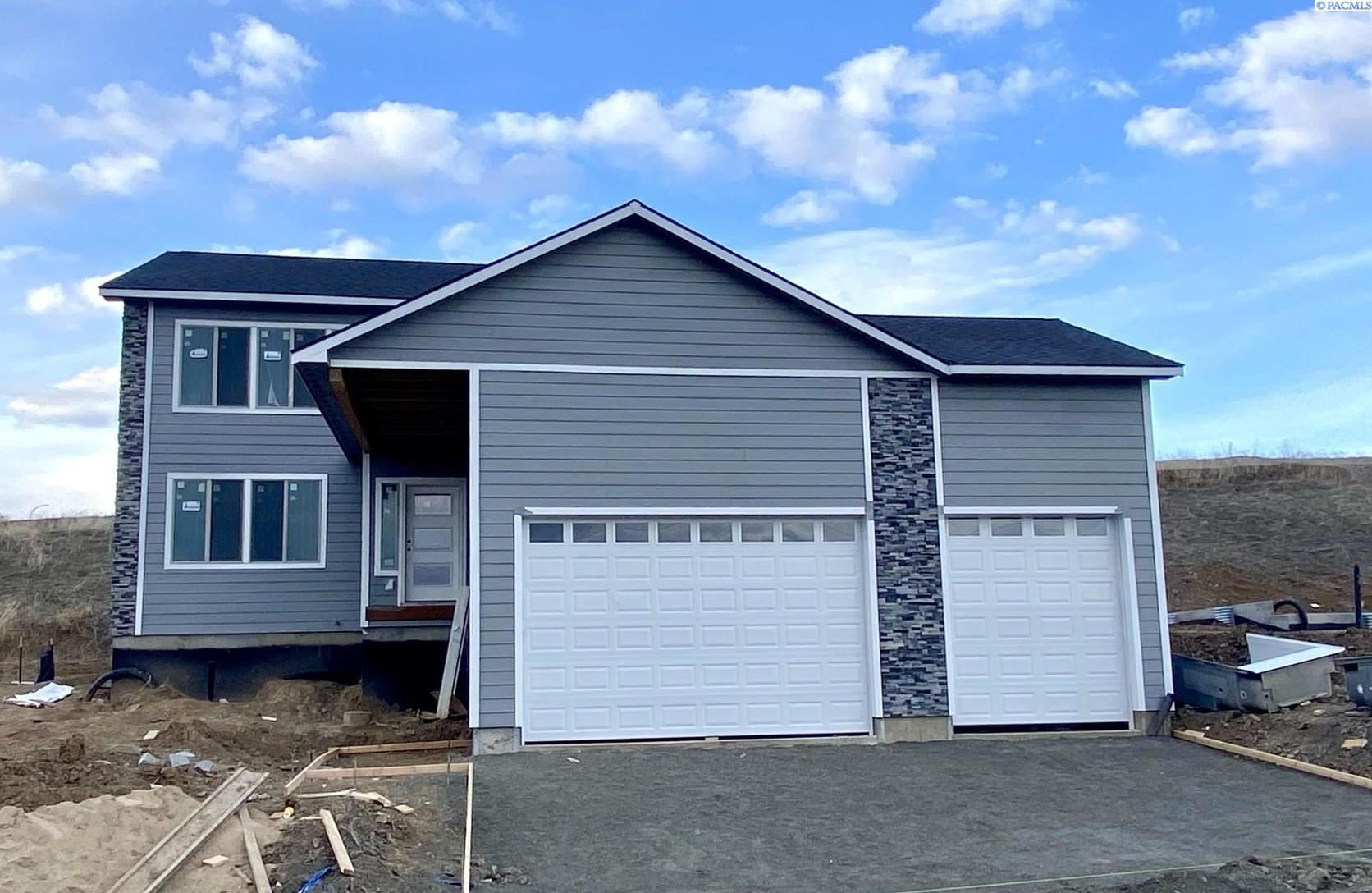 Photo of 640 SW Umatilla Ct, Pullman, WA 99163 (MLS # 245066)