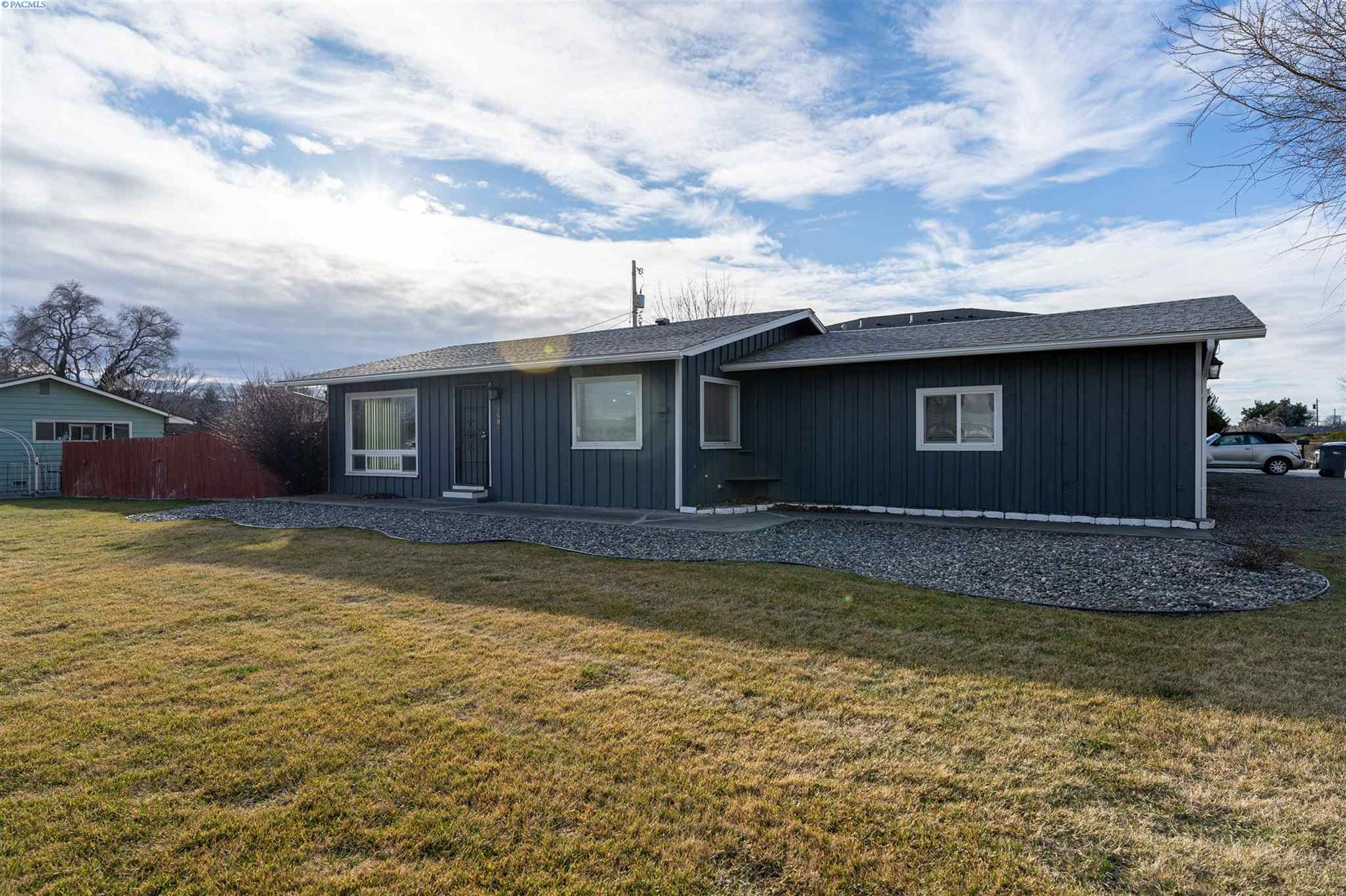 Photo of 2004 S Olympia Street, Kennewick, WA 99337 (MLS # 251160)