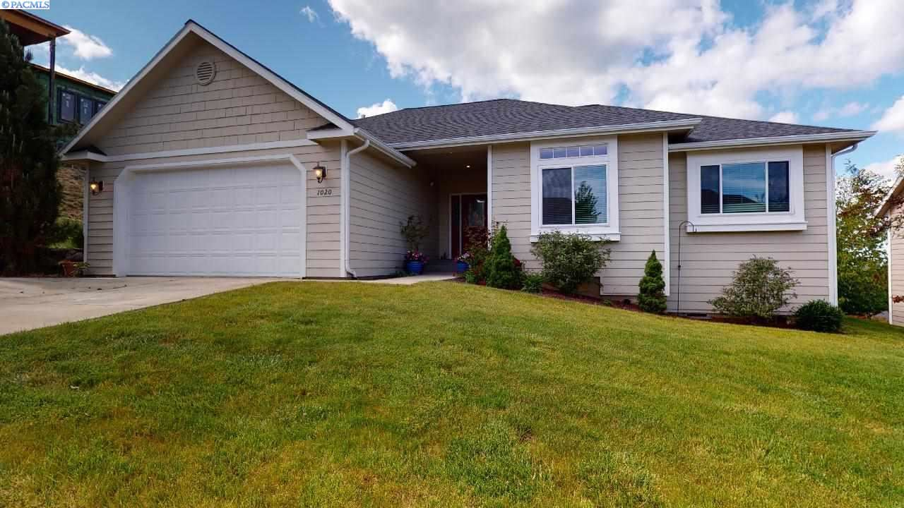 Photo of 1020 SW Crestview  St., Pullman, WA 99163 (MLS # 246173)