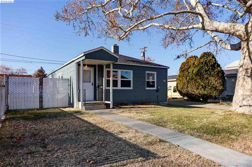 Photo of 811 Stanton Ave, Richland, WA 99352 (MLS # 251184)